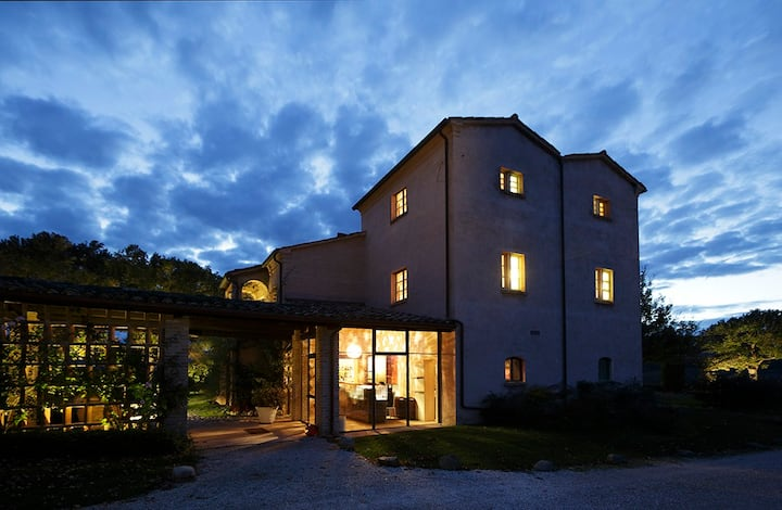 Charming Deluxe Apartment in Urbino Resort