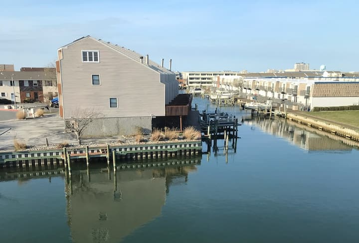 Updated Waterfront  Condo with Canal Views
