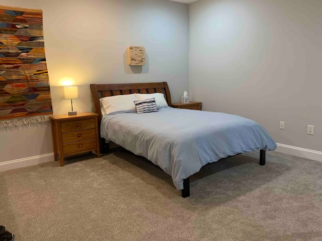 Superb location! Minutes to downtown Raleigh/Cary!