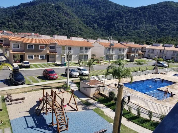 Apartamento Sahy em condomínio com total estrutura
