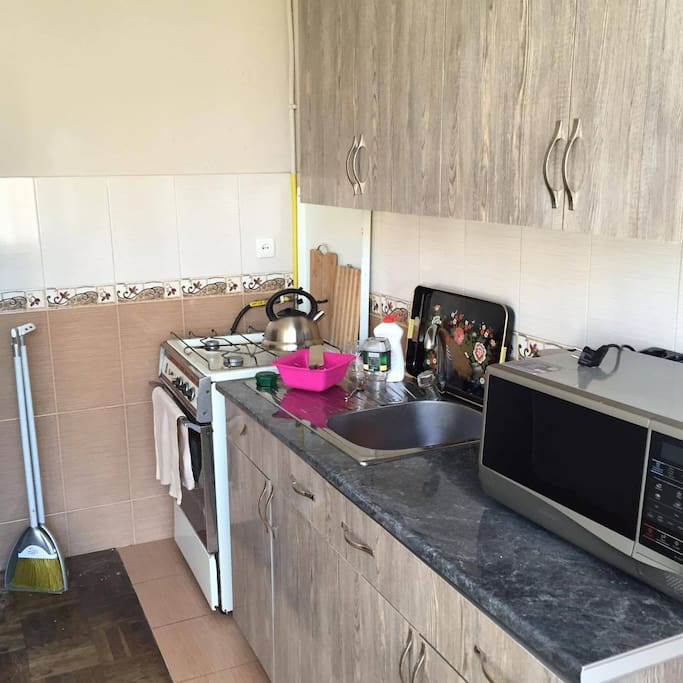Kitchen - comfortable for any cooker