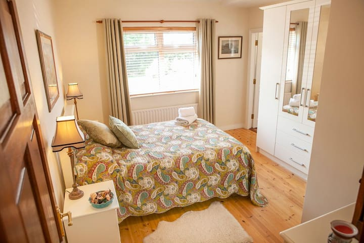 Spacious Double room with en suite.