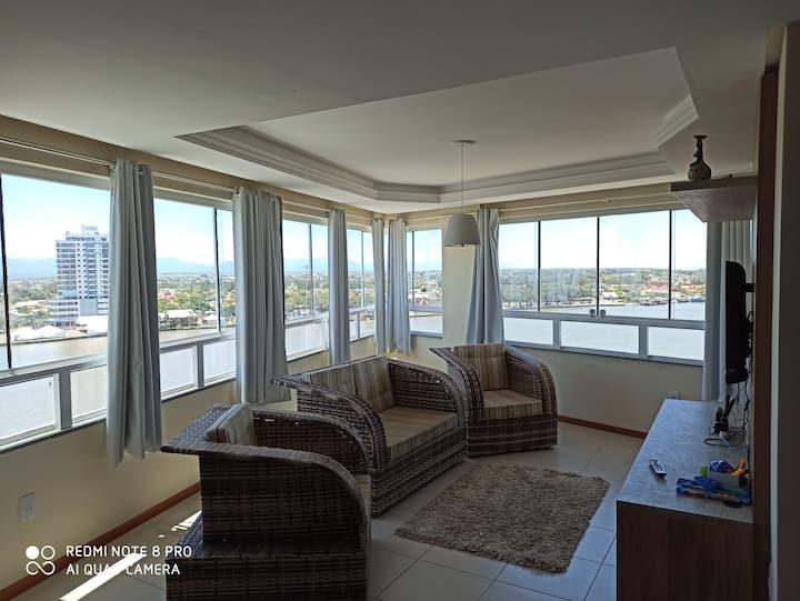 Apartamento com ótima vista para o Rio e mar.