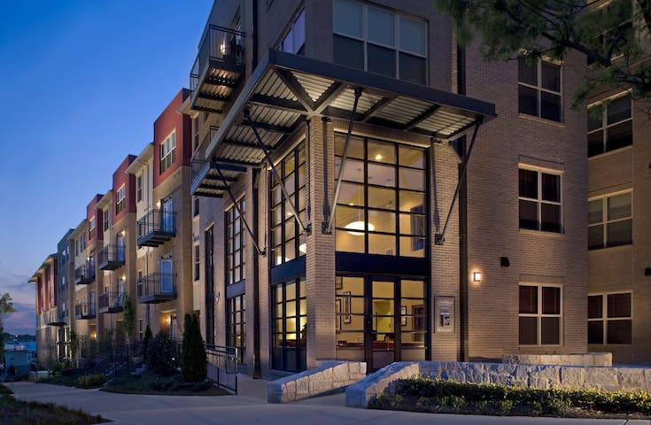Crossings apts-Near Mercedes Benz stadium!!