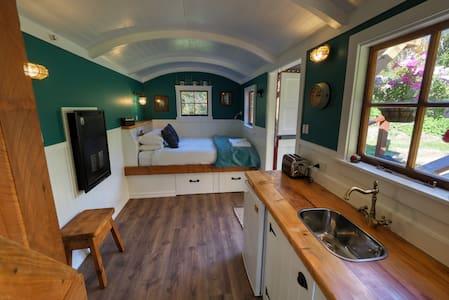 Henrietta's Hut