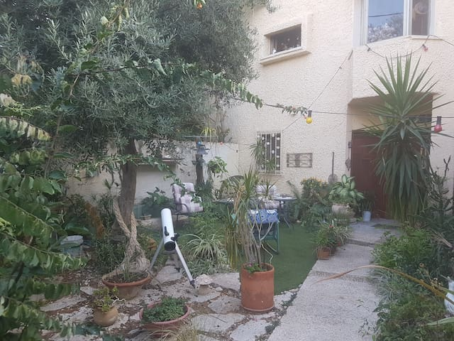 Netanya ApartmentA central, Special and quiet