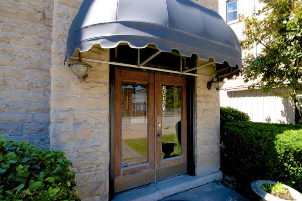 Main Entrance.  Great for wedding photoshoots. See pricing in last photo of this listing.