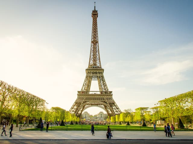 Stay in Tour Eiffel - Champ de Mars