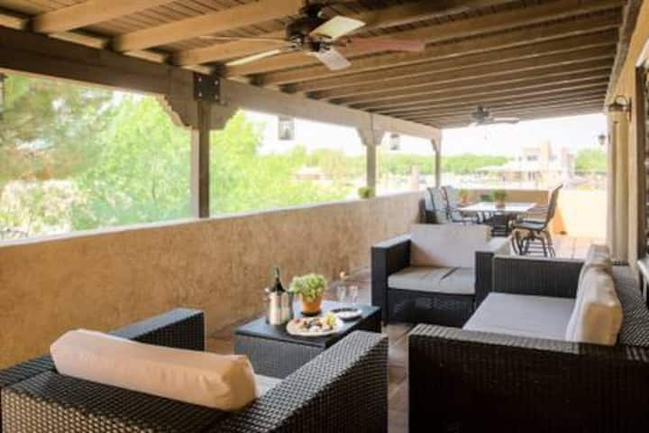 One Bedroom with Queen Bed at Hacienda De Mesilla