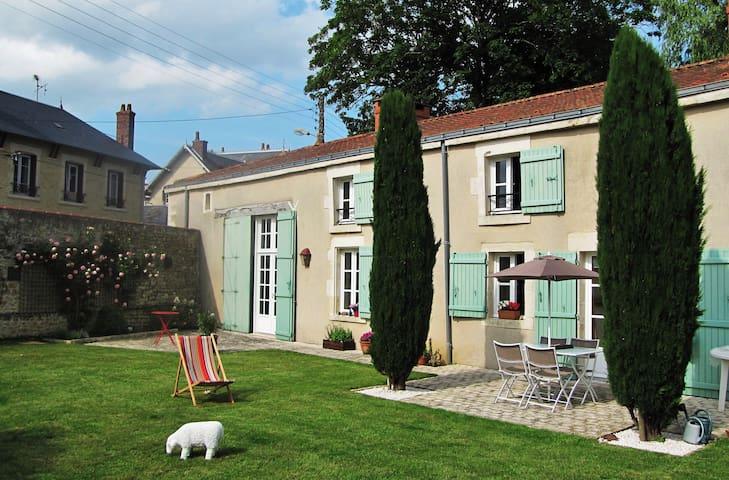 Chambre privée dans demeure de charme - Chantonnay - Bed & Breakfast