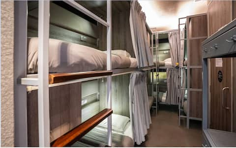 Single Bed in 6-Bed Ensuite Mixed Dormitory Room
