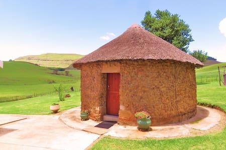 Fairbairn Guest Farm Little Rondawel Room 3