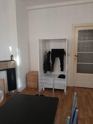 Chambre Dans un appartement a louer