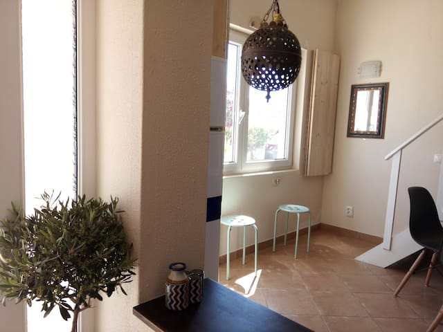 Cozy Family House's Studio - 8 minutes from beach.