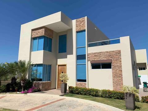 Palmarito Beach House - 30 mins de BAQ y CTG