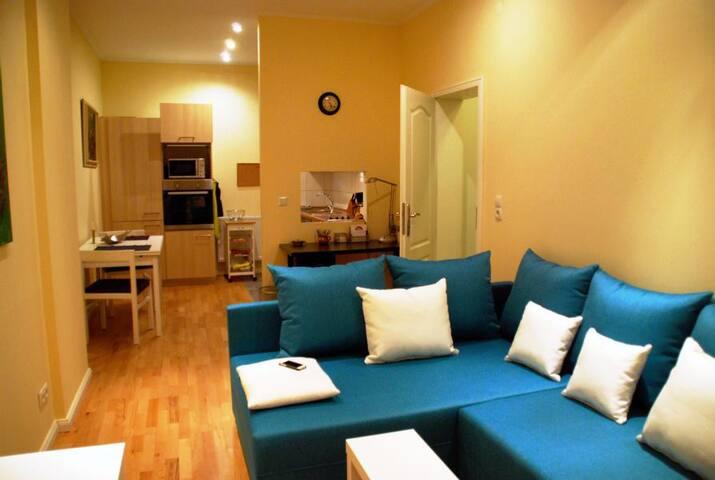 Schöne 2 Zimmer Wohnung in Altbremer Haus - Bremen - Apartemen