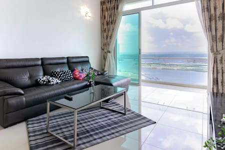 🌜High Floor 3BR Tropez Waterfront + Sea View🌜