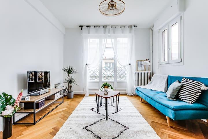 Appartement au pied de Saint-Lazare / Opera