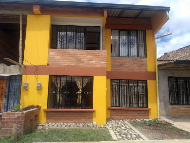 Habitacion sencilla y comoda