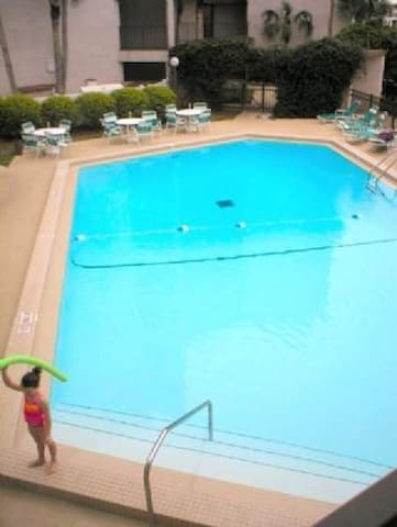 Anastasia Condominium 203- Second floor 2 bedroom unit with elevator and ocean views - Butler Beach - Apartament