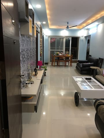 Beautiful room in the heart of city near Hitech - Hyderabad - Apartemen
