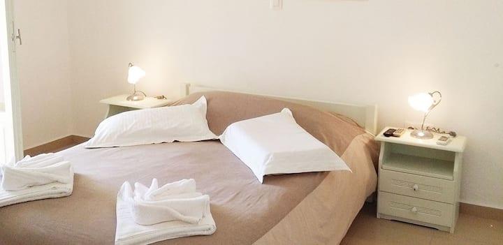 Evelin Apartment in Naousa