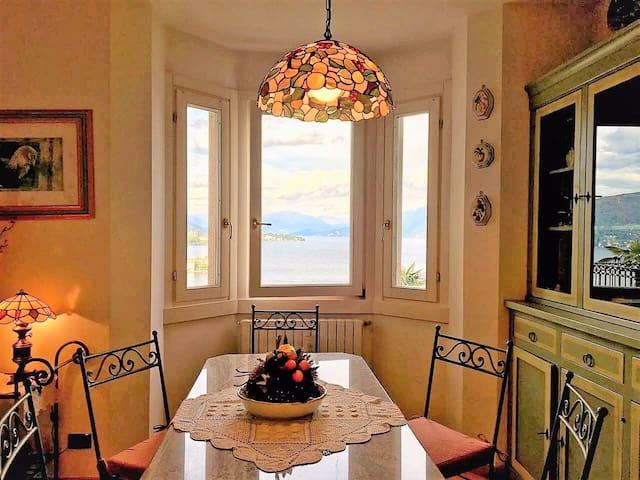 Il bow window sul Lago Maggiore - Baveno - Appartement