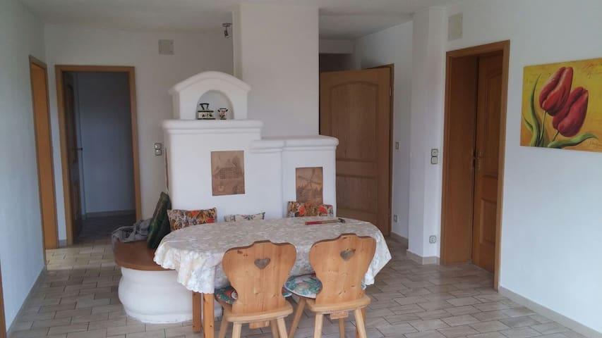 Wohnung im EG - Sonnenterasse, WIFI - Neuendettelsau - Huoneisto