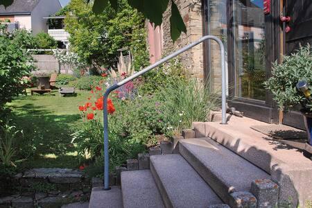 Atmosphärisch wohnen in alter Dorfschule im Taunus