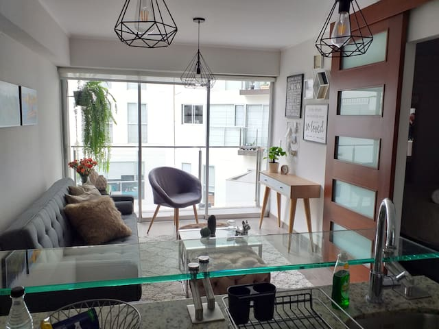 Lovely & Beautiful  modern apartment in Barranco!!