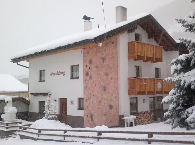 Ferienwohnung im Alpenkönig - Landeck - Leilighet