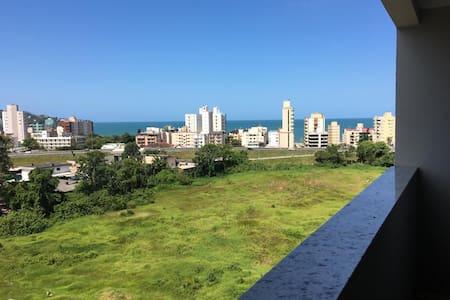 Apartamento Com Vista Para Praia de Itapema