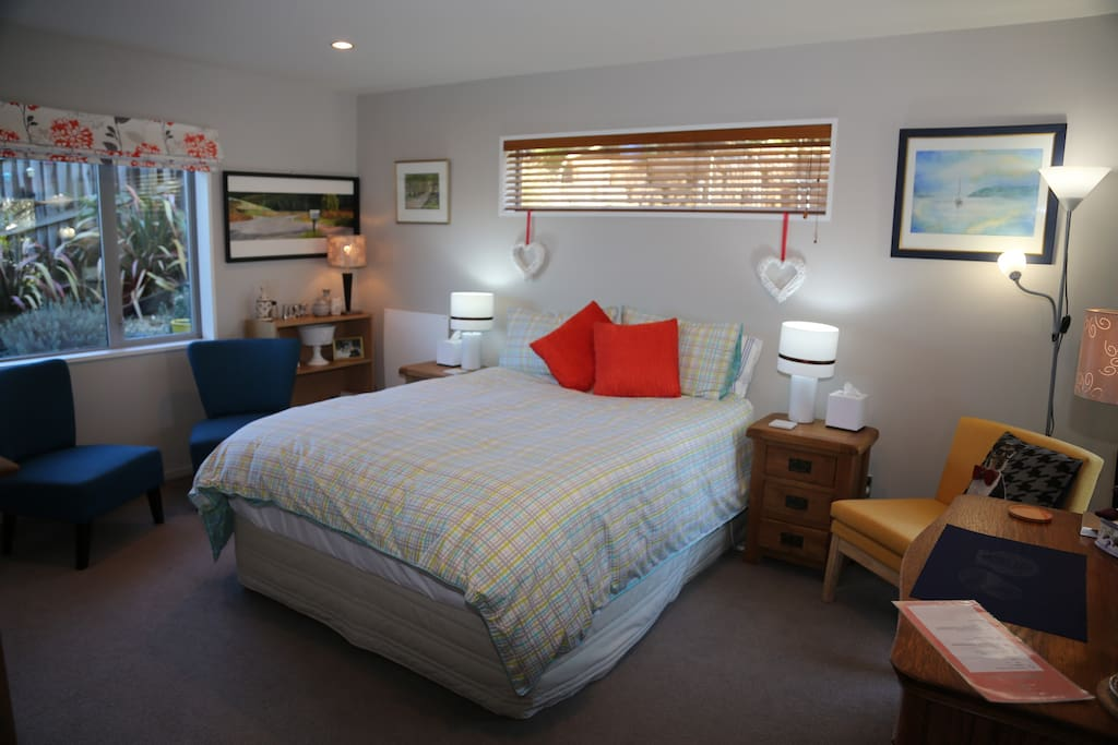 Spacious room with private access