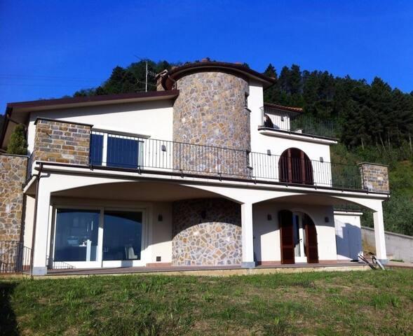 Villa con Panorama - Bacchereto - Vila