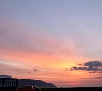 青海湖黑马河环湖西路上看日出的藏式大炕 可住3人