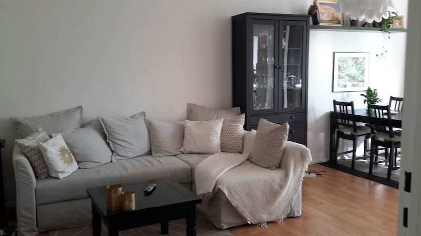 nice, comfortable & cozy flat in neukölln