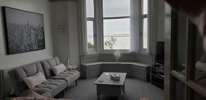 Unique  Beach &City Sea views!   modern apartment.