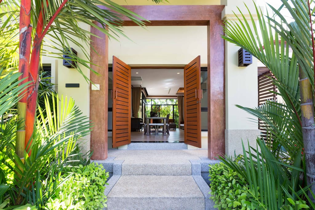 Entrance to the 1-Bedroom Jacuzzi Villa