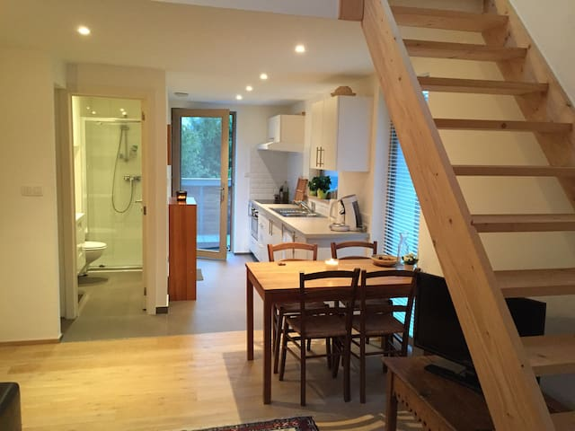 Private apartment in our new house - Ottignies-Louvain-la-Neuve - Apartament