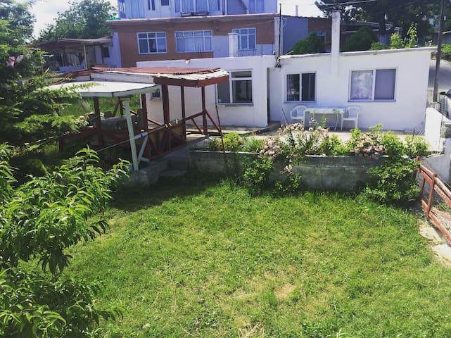 Müstakil Bahçeli Ev - Huzurlu bir tatil