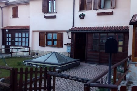 Villa Luca: Neve sole sport e relax in montagna - Rocca di mezzo
