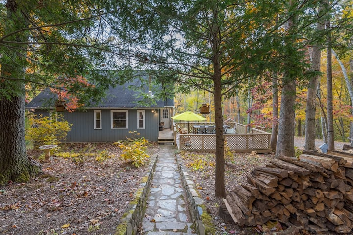 CHIC MOUNTAIN FOREST GETAWAY - 3 Bdrms