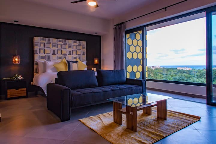 HONEY-B SUITES: On the 5th, Romantic Oceanviews! 5