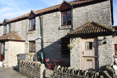 Beautiful Stone Cottage in the Heart of the Levels
