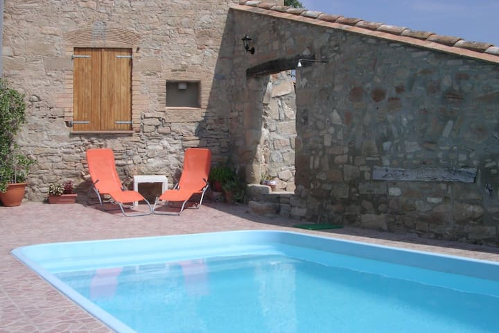 Modern Cottage in Sant Martí de Tous with Pool