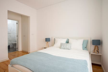 NEW - Spacious & Bright - Downtown & Cascais