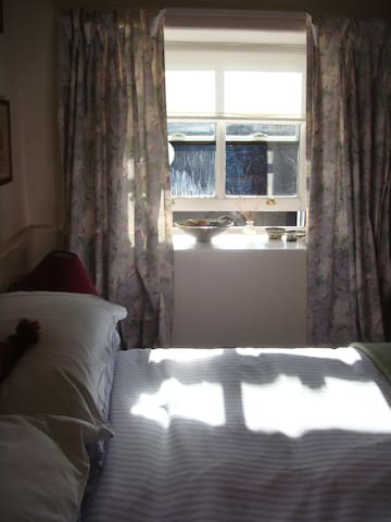 Cosy double bedroom with lovely view - Maentwrog - Bed & Breakfast