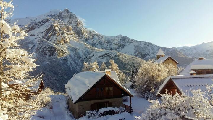 Heerlijk rustig berghuis met prachtig uitzicht!
