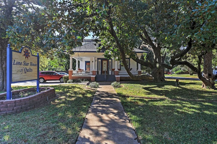 NEW! Historic 3BR Arlington House w/Private Deck! - Houses for ... : lone star house of quilts - Adamdwight.com