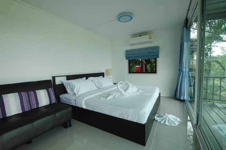 Saree Lagoon Villa Container House